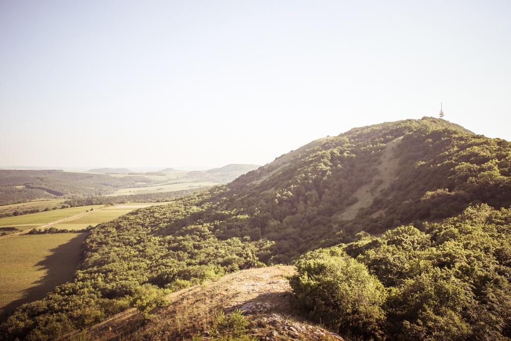 Hügel im Kargland