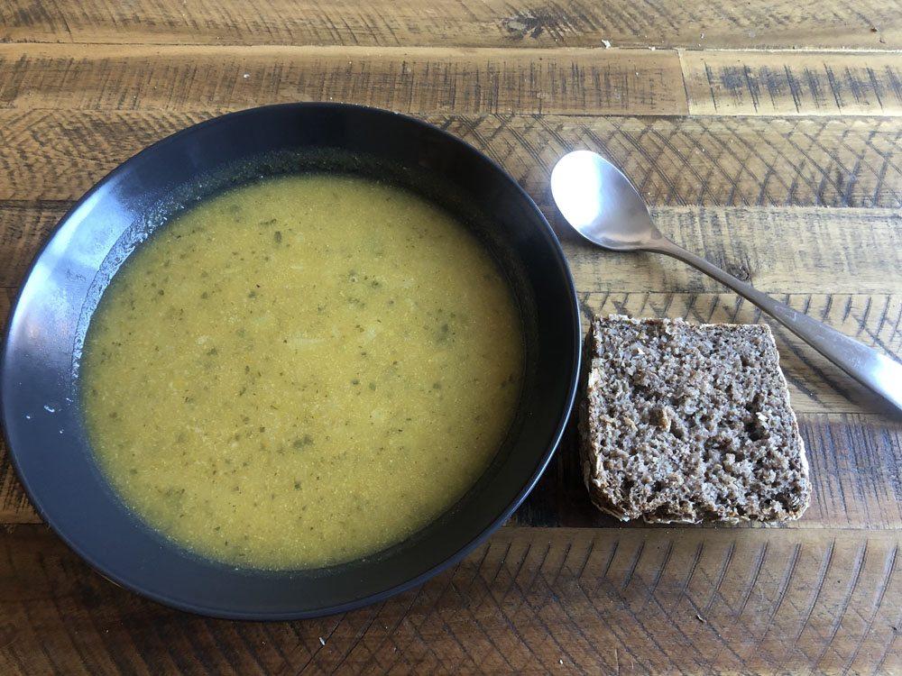 fastenbrechen suppe und vollkornbrot