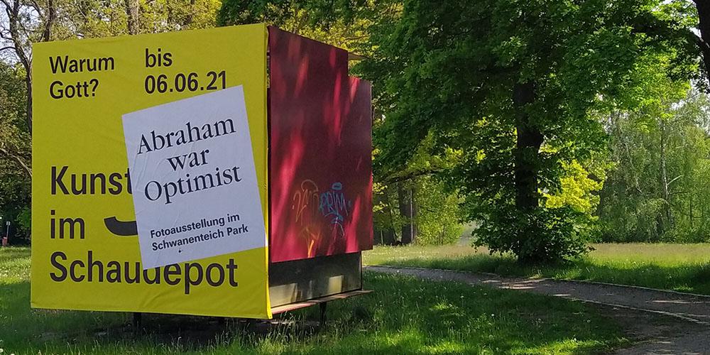 plakat vor der kunsthalle abraham war optimist
